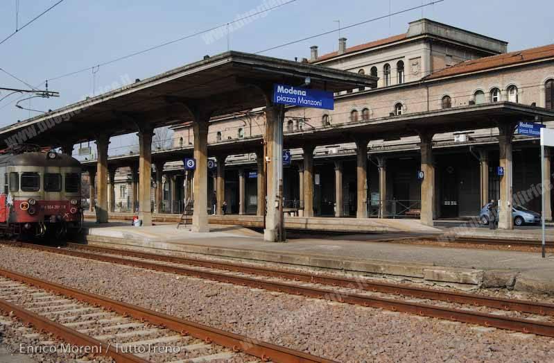 FER_ModenaPiazzaManzoni_2015_03_21_MoreniEnrico_DSC_1600-tuttoTRENO-wwwduegieditriceit