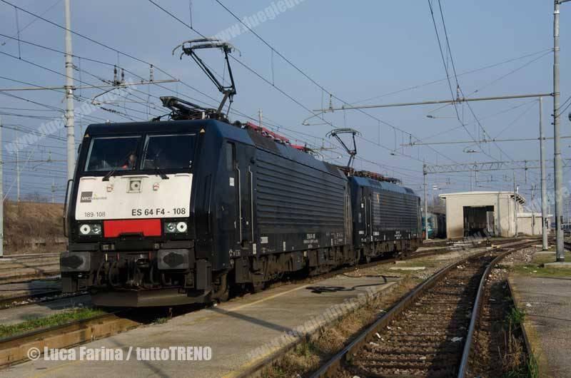 MRCE-E189_109+E189_932-Bosforus-NoleggiateTrenitalia-Verona-2015-03-02-FarinaLuca-DSC_6662-wwwduegieditriceit-WEB