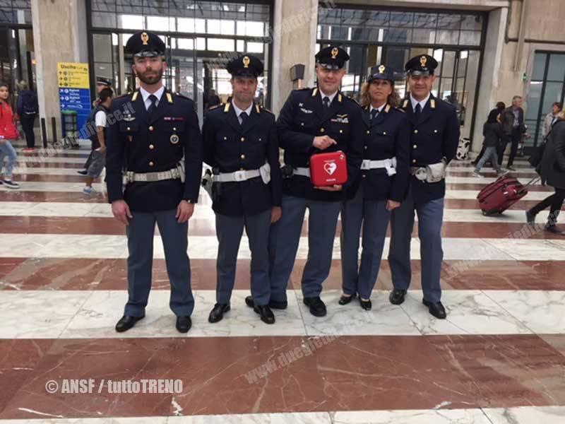 ANSF-Polfer-Defribillatore-Firenze-2015-04-15-ANSF_tuttoTRENO_wwwduegieditriceit