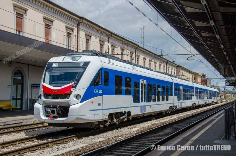 ETR563_003-CAF-UdineCentrale-2015-05-26-EnricoCeron_tuttoTRENO_wwwduegieditriceit