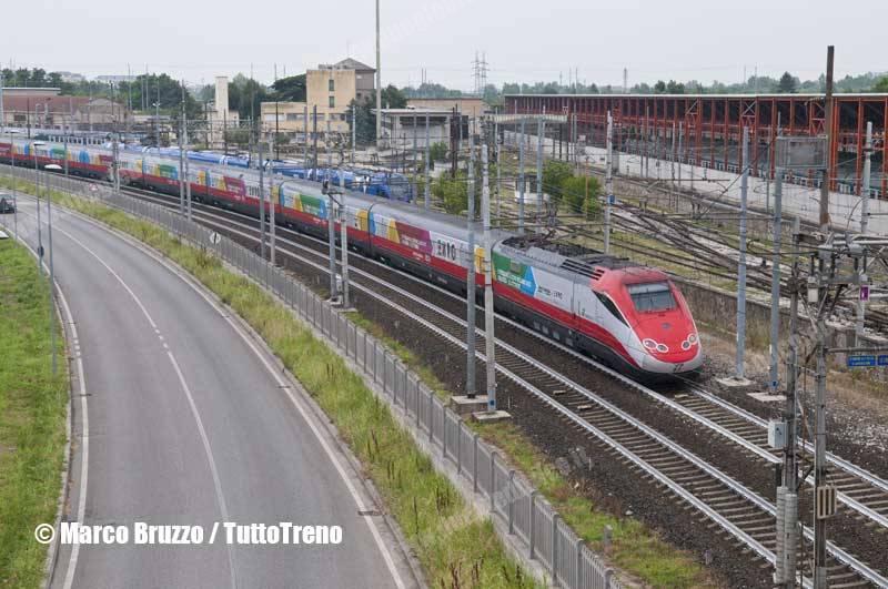 ETR500_46-LivreaExpo2015-ES9412NapoliC_VeneziaSL-lineaBolognaPadova-Padova-2015-06-14-BruzzoMarco-DSC_9942_tuttoTRENO_wwwduegieditriceit