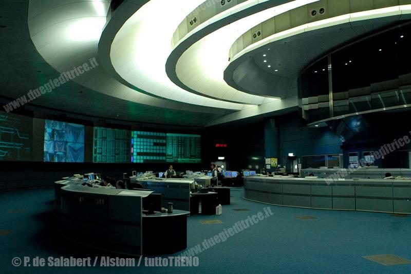 Alstom-ControlcentreHongKong_14799-Copyright-ALSTOM-Transport--P.-de-Salabert_tuttoTRENO_wwwduegieditriceit
