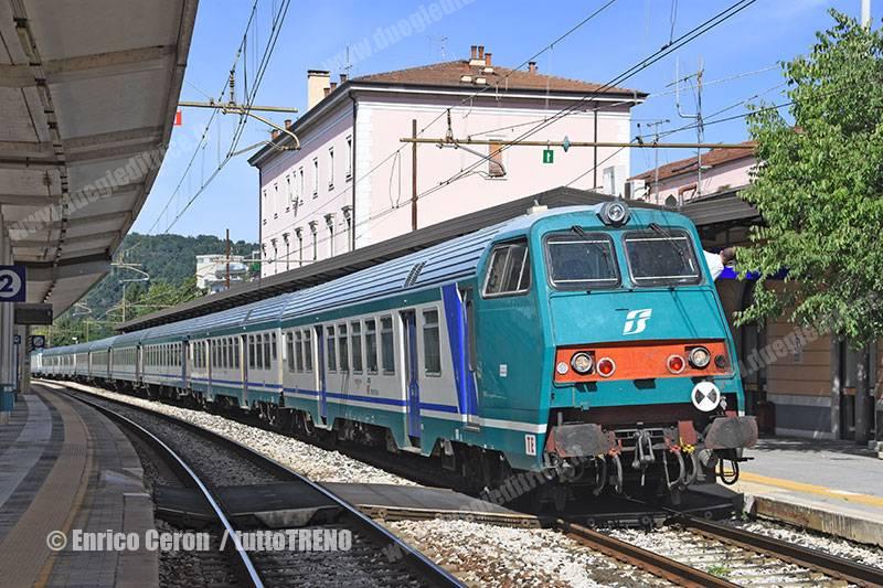 E464_xxx-RV2447-VeneziaUdineTrieste-LineaUdineGoriziaTrieste-GoriziaCentrale-2015-09-22-EnricoCeron_tuttoTRENO_wwwduegieditriceit