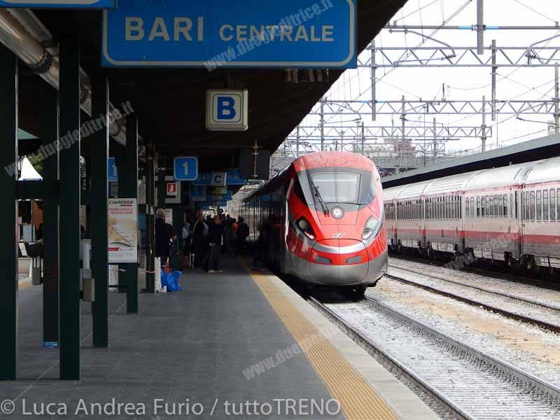 ETR400_07-presentazioneFrecciarossa1000--Bari_Centrale-2015-09-1