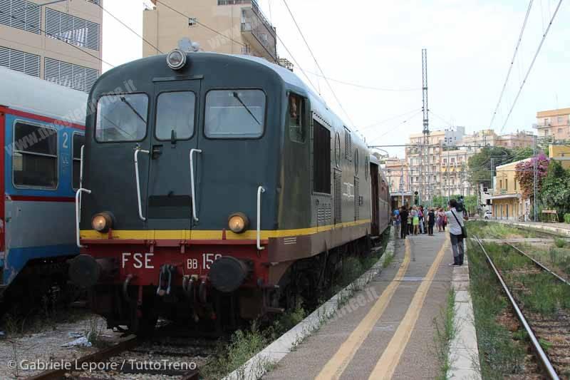 FSE_AISAF-treno_storico_Un_Treno_chiamato_Jazz-Bari_Sud_Est-2015-09-19-Lepore_Gabriele-IMG_5139_tuttoTRENO_wwwduegieditriceit