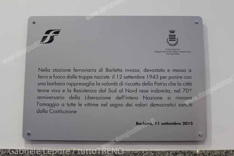 RFI_targa_a_ricordo_delle_rappresaglia_nazista_dopo_8_settembre_1943_stazione_Barletta_2015_09_11_Lepore_Gabriele_IMG_5102_2-tuttoTRENO-wwwduegieditriceit