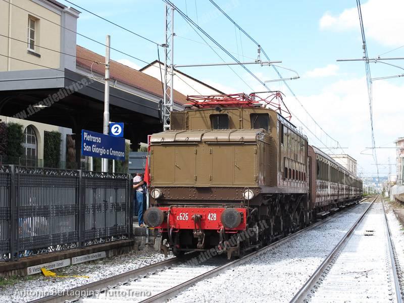 """Più corse per il """"Pietrarsa Express"""""""
