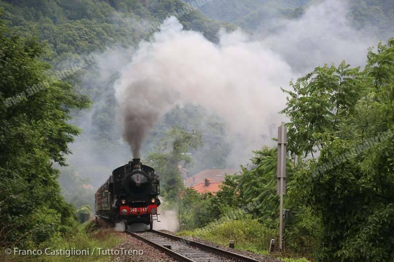 640_143-treno29172MilanoCentraleVarallo-Roccapietra-2015-06-14-CastiglioniFranco-DSCN0725
