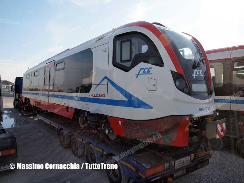 FCE-DMU001A-Vulcano-intrasferimentodaNewag_a_Catania-Ravenna-2015-11-28-CornacchiaMassimo_tuttoTRENO_wwwduegieditriceit