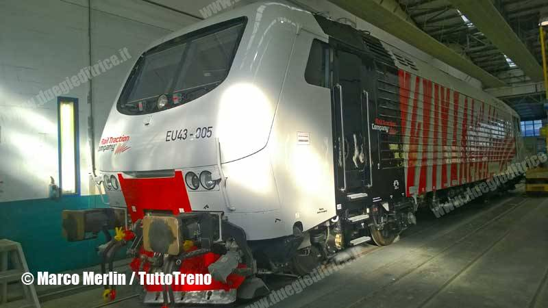 RTC-EU43_005-NuovaLivreaZebrata-VadoLigure-2015-11-26-MerlinMarco_tuttoTRENO_wwwduegieditriceit