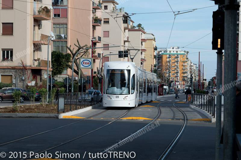 AMAT_09_PiazzaZiino_Palermo_2015_12_30_SimonPaoloDSC_2125-tuttoTRENO-wwwduegieditriceit