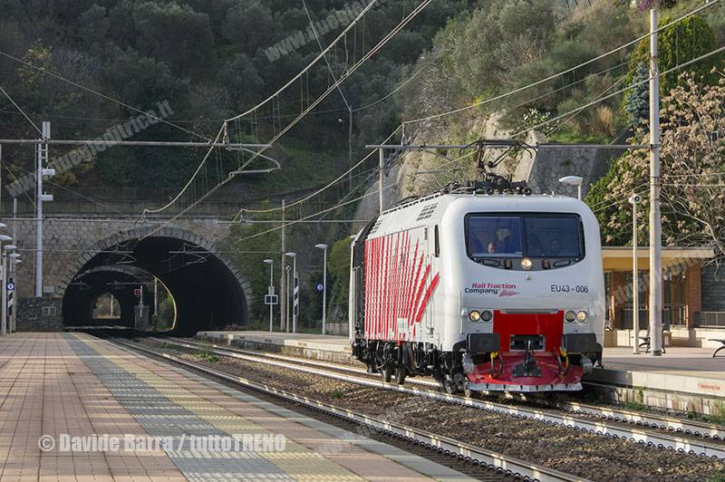 RailTractionCompany-EU43_006-TrasferimentoPerVeronaDopoRevisionePressoBombardierVadoLigure-CelleLigure(Sv)-2015-12-23-DavideBarra_tuttoTRENO_wwwduegieditriceit