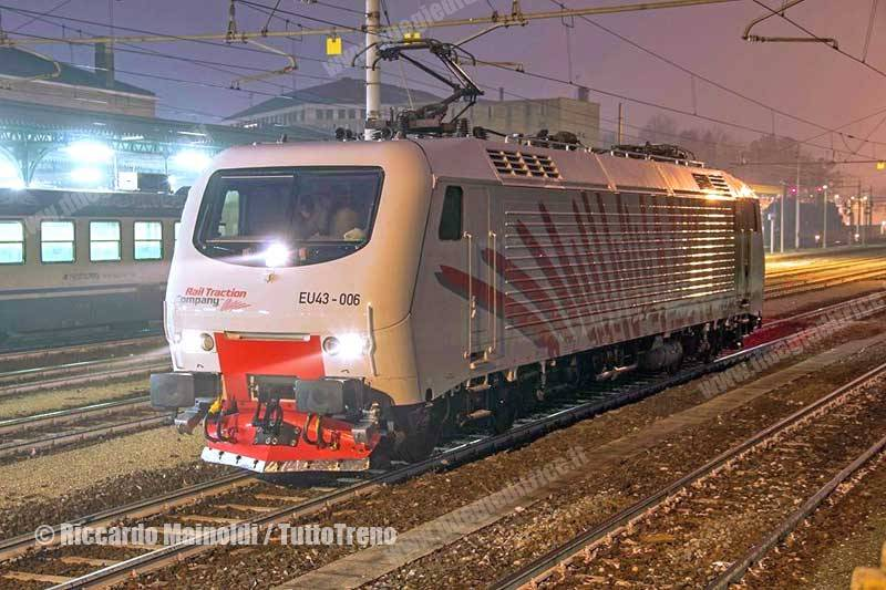 RailTractionCompany-EU43_006-TrasferimentoPerVeronaDopoRevisionePressoBombardierVadoLigure-Mantova-2015-12-23-MainoldiRiccardo_tuttoTRENO_wwwduegieditriceit