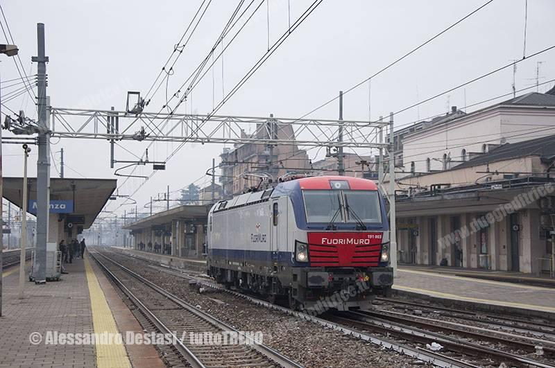Fuorimuro-E191_003-TrenoLIS71281ChiassoLeccoMaggianico-Monza-2016-01-28-DestasiAlessandro_tuttoTRENO_wwwduegieditriceit