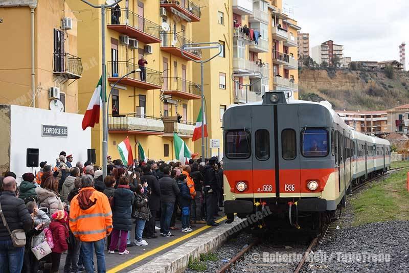 ALn668-trenoinauguralePortoEmpedocleSuccursale-PortoEmpedocle-2016-02-12-MeliRoberto_tuttoTRENO_wwwduegieditriceit-4