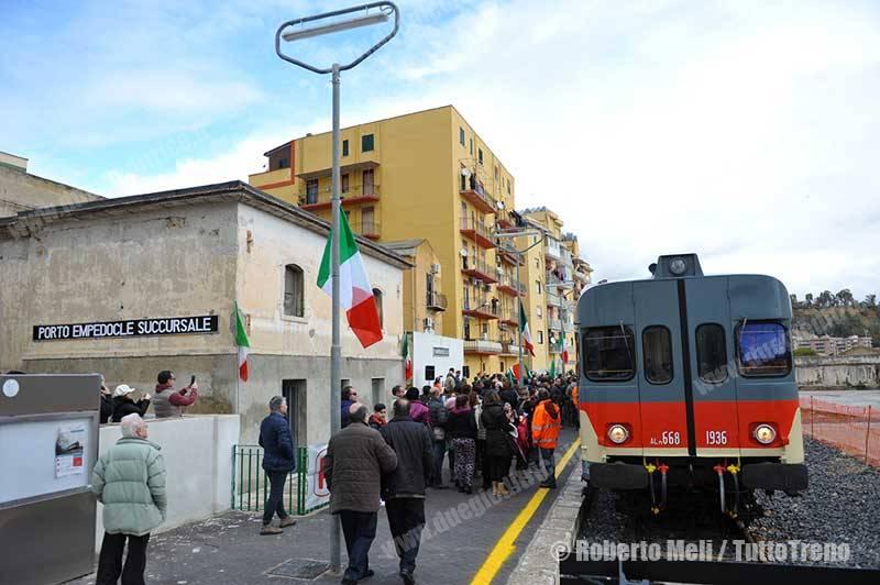 ALn668-trenoinauguralePortoEmpedocleSuccursale-PortoEmpedocle-2016-02-12-MeliRoberto_tuttoTRENO_wwwduegieditriceit-8