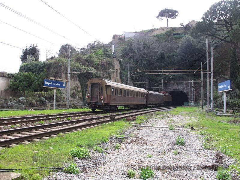 E626_266-FondazioneFS-Reg29028-TorreAPietrarNapoliCF-NapoliMergellina-2016-03-06-BertagninA-052_tuttoTRENO_wwwduegieditriceit