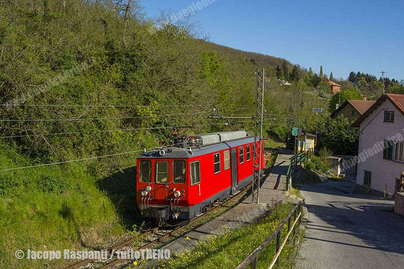 FGC-A8-TrenodiRotaiePerFontanassa&Sant'Olcese-Crocetta-2016-04-20-JacopoRaspanti-DSC_5468_tuttoTRENO_wwwduegieditriceit