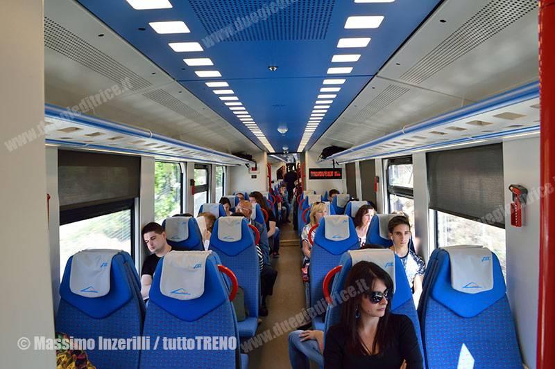 FCE-DMU-001A-001B-treno29CataniaRandazzo-2016-05-24-InzerilliMassimo-DSC_3285_tuttoTRENO_wwwduegieditriceit