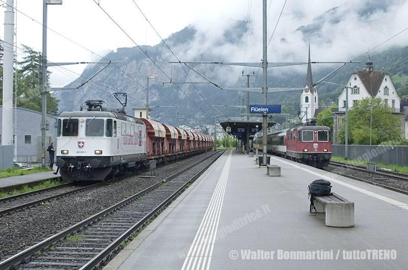 SBB-Re420_268-Gotthard-primo-treno-merci-che-ha-attreversato-la-galleria-di-base-del-Gottardo-Fluelen-2016-06-03-BonmartiniWalter-2