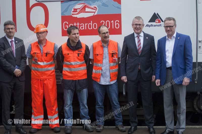 SBB-primo-treno-merci-che-ha-attreversato-la-galleria-di-base-del-Gottardo-Fluelen-2016-06-03-BonmartiniWalter--6