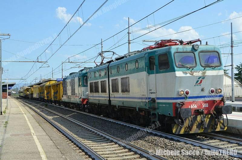 E656_588-trenoGru-SestoFiorentino-2016-07-12-SaccoMichele_tuttoTRENO_wwwduegieditriceit