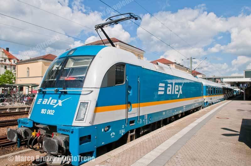 Alex-183_002-ALX84110Muenchen_Hof-DieLaenderbahn-Regensburg-2015-06-24-BruzzoMarco-DSC_0302_tuttoTRENO_wwwduegieditriceit