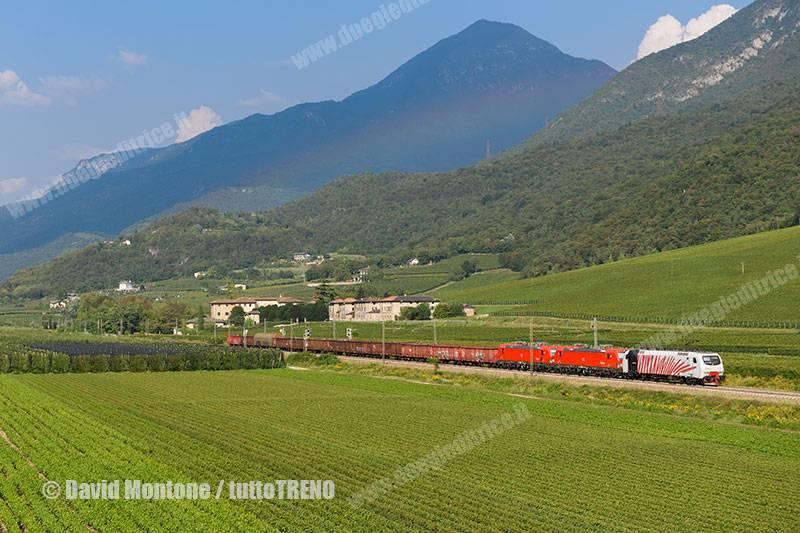 DBRI-E191_013-E191_014-tra_Mattarello_e_Rovereto-Acquaviva-2016-09-14-MontoneDavid-DSC_8800_tuttoTRENO_wwwduegieditriceit