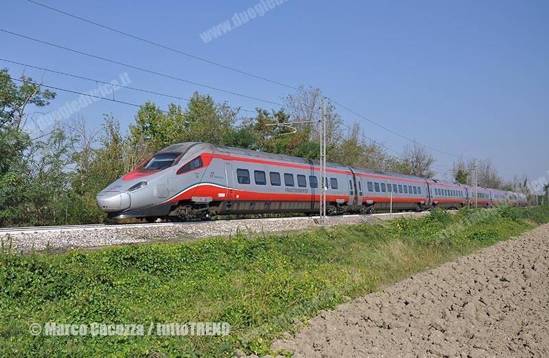 ETR600_05-trenoFA9469Mantova-RomaTermini-pressoRolo-2016-09-25-MarcoCacozza_tuttoTRENO_wwwduegieditriceit