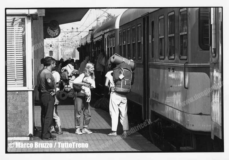 Giovani-Interrail-Rimini-1988-BruzzoMarco_tuttoTRENO_wwwduegieditriceit