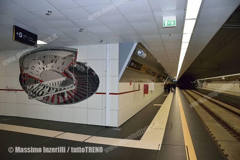 FCE-metrodiCatania-stazioneStesicoro-Catania-2016-12-20-InzerilliMassimo_DSC_3622_tuttoTRENO_wwwduegieditriceit