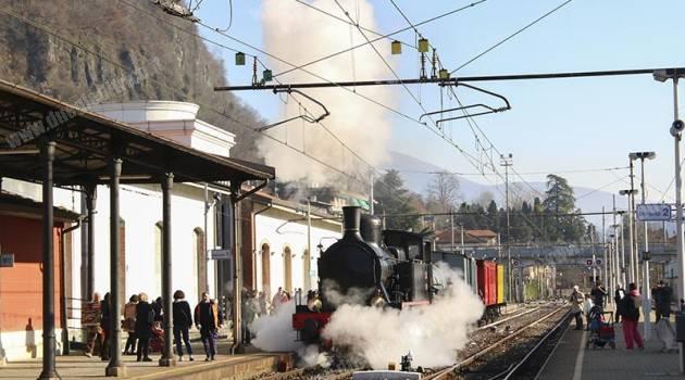 Babbo natale viaggia con Ferrovie Nord e Trenord