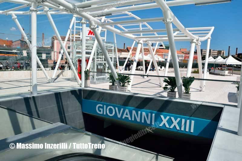 FCE-metroCatania_staz-InzerilliMassimo-4310_tuttoTRENO_wwwduegieditriceit