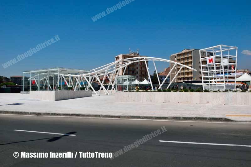 FCE-metroCatania_staz-InzerilliMassimo-4314_tuttoTRENO_wwwduegieditriceit