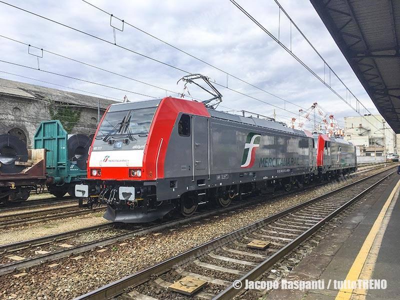 MIR-E483_316+E483_317-Akiem-GenovaSestriLevante-2017-05-10-RaspantiJacopo_tuttoTRENO_wwwduegieditriceit.jpg-IMG_0750