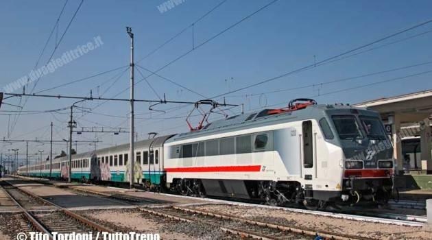 E 401 in corsa tra Foligno, Firenze e Orte
