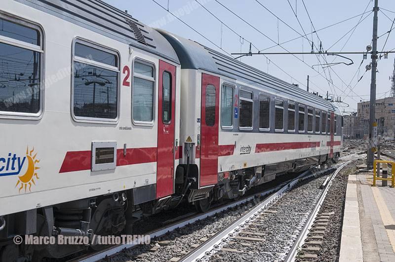 ICsun-PresentazioneAccordoMIT_Trenitalia-Carrozza_Z1A_semipilota--RomaTermini-Roma-2017-08-02-BruzzoMarco-DSC_1189_tuttoTRENO_wwwduegieditriceit