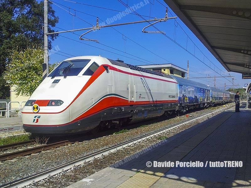 E414_131+E414_137-TrenoPartitoDemocratico-TrenoPD-FanoRomano-2017-10-17-PorcielloDavide_115203_tuttoTRENO_wwwduegieditriceit