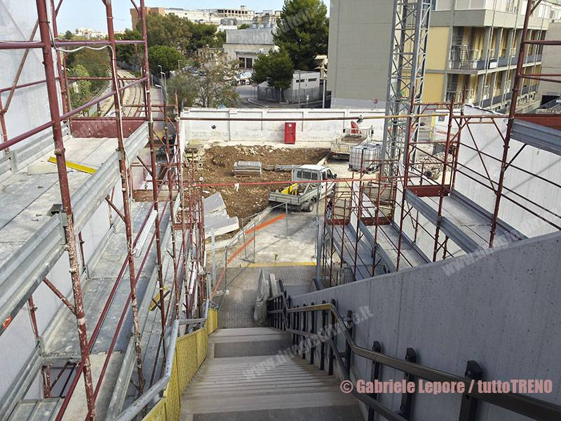 FAL-restyling_fermata_Bari_Policlinico-2017-10-09-Lepore_Gabriele-20171009_114015_Richtone_tuttoTRENO_wwwduegieditriceit