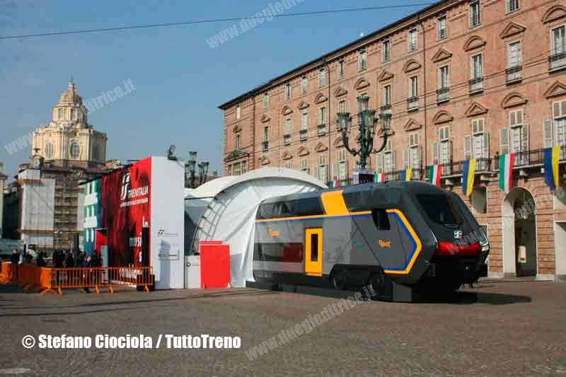 Mock-up nuovi regionali Trenitalia in mostra