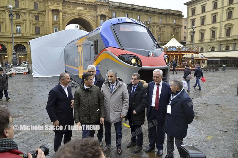 TI-RoadShow_Pop_Rock-Firenze-PiazzaDellaRepubblica-2017-12-01-SaccoMichele_13_tuttoTRENO_wwwduegieditriceit