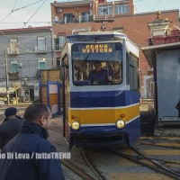 Napoli: tram in movimento