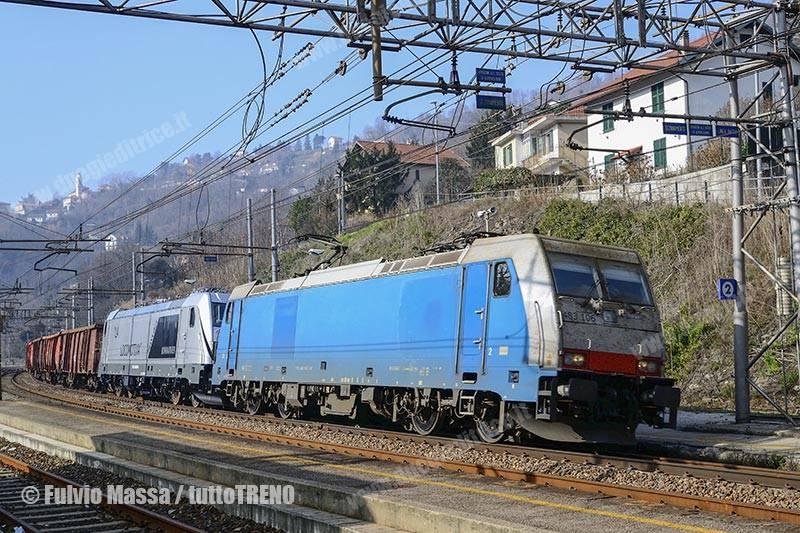 DBCI-E438_106NC+MIR-E494_040-Treno73772-VadoLigureFirenzeCastello-Mignanego-2018-02-12-MassaFulvio-DSC_0077_tuttoTRENO_wwwduegieditriceit