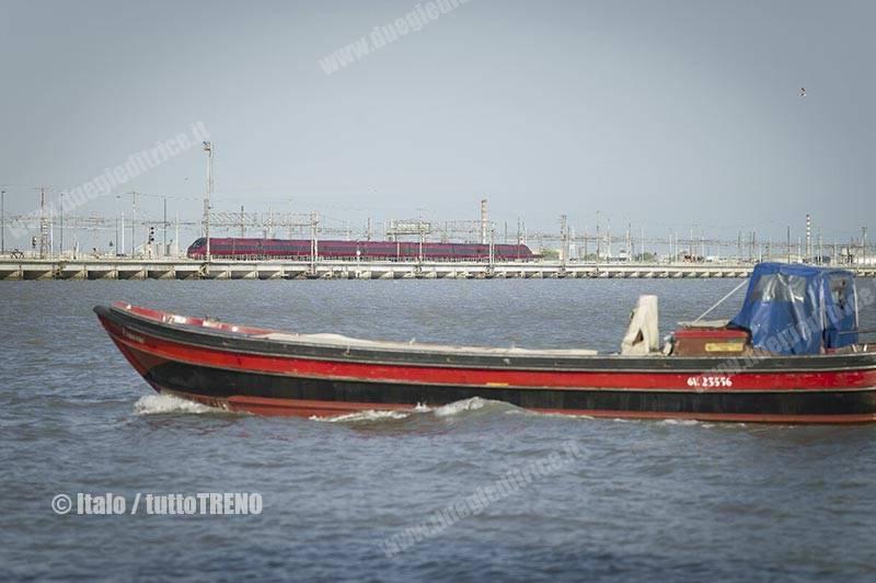 NTV-ETR675-Pontelaguna-Venezia-fotoItalo_tuttoTRENO_wwwduegieditriceit
