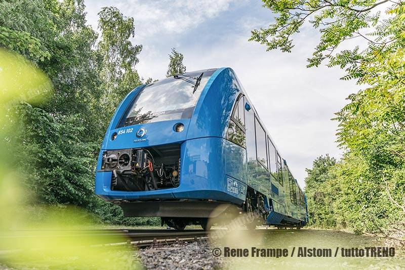 Alstom-Coradia_iLint-2018-05_fotoAlstom_Rene_Frampe_tuttoTRENO_wwwduegieditriceit