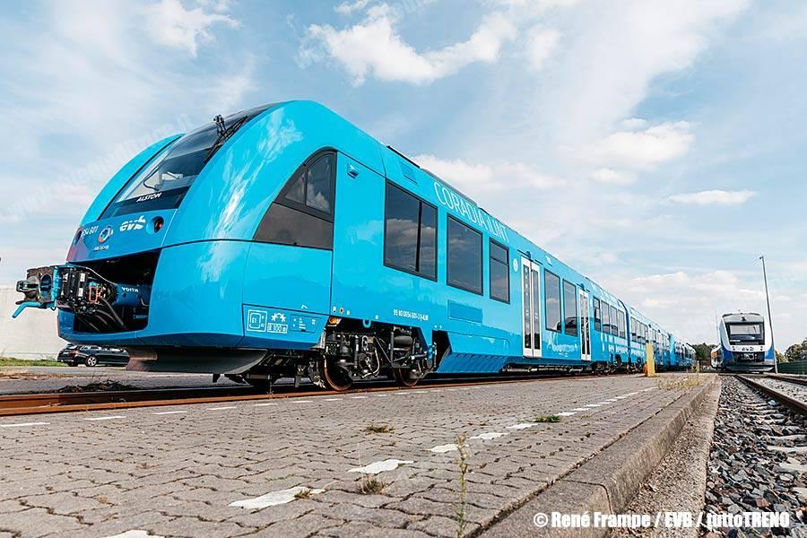 Alstom presenta il treno ad idrogeno Coradia iLint in sei stati federali della Germania