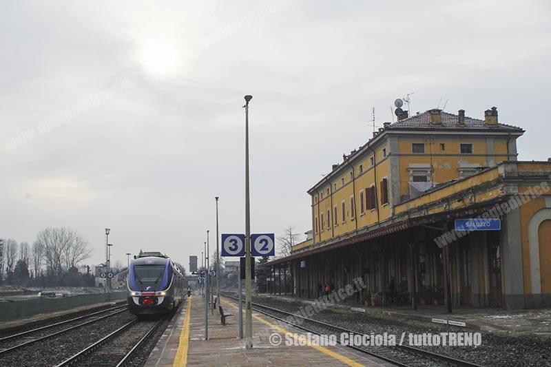 ALn501_092-MD092-REG70300SaluzzoSavigliano-Saluzzo-2018-12-21-CiociolaStefano-IMG_8005_tuttoTRENO_wwwduegieditriceit