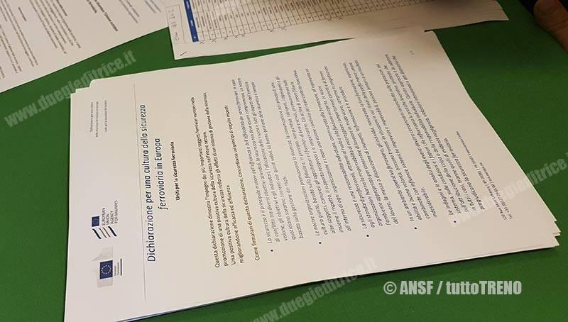 ANSF-firma_dichiariazione_cultura_sicurezza_ferroviaria-Firenze-2018-12-05-fotoAnsf-wwwduegieditrice.it_1