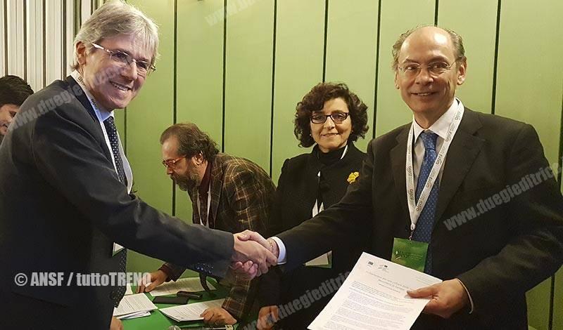 ANSF-firma_dichiariazione_cultura_sicurezza_ferroviaria-Firenze-2018-12-05-fotoAnsf-wwwduegieditrice.it_2