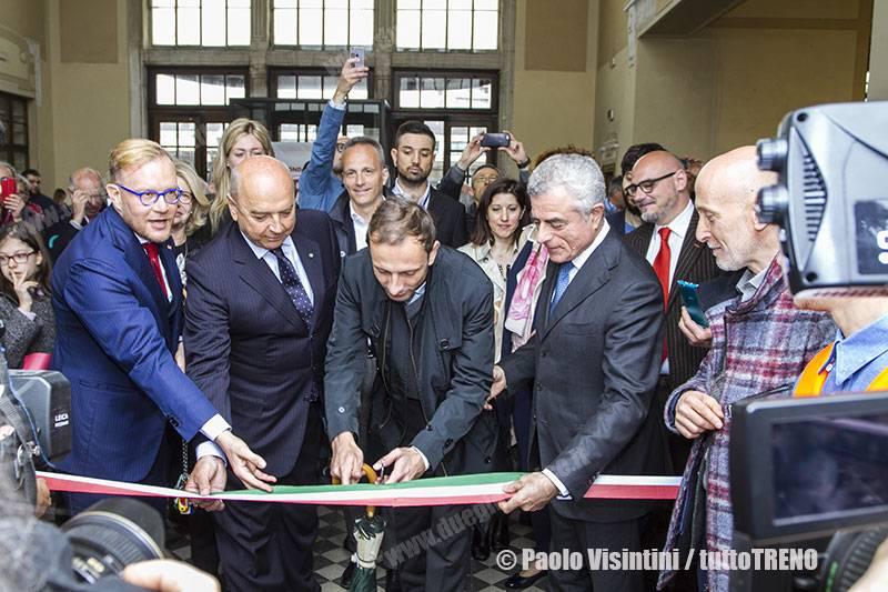 FondazioneFS-inaugurazionelavoristazionedi-TriesteCMtagliodelnastrodapartedelleautorita-2019-05-04-PaoloVisintini_tuttoTRENO_wwwduegieditriceit